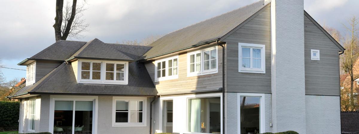 Hout Buitenschrijnwerkt nieuwbouw villa Drongen