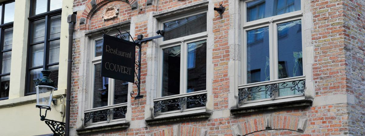 Hout Buitenschrijnwerkt restaurant Brugge