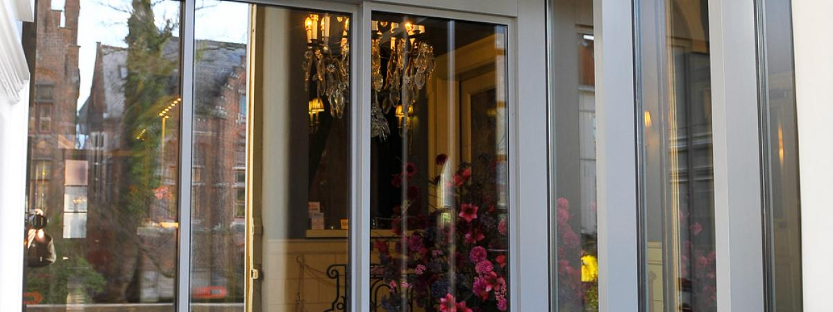 Aluminium ingang hotel Brugge